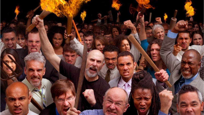angry mob Studii Adolescenți