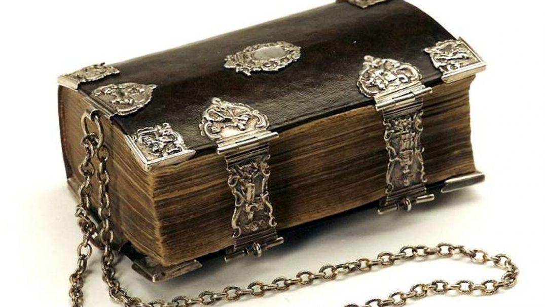 chained bible Studii Adolescenți