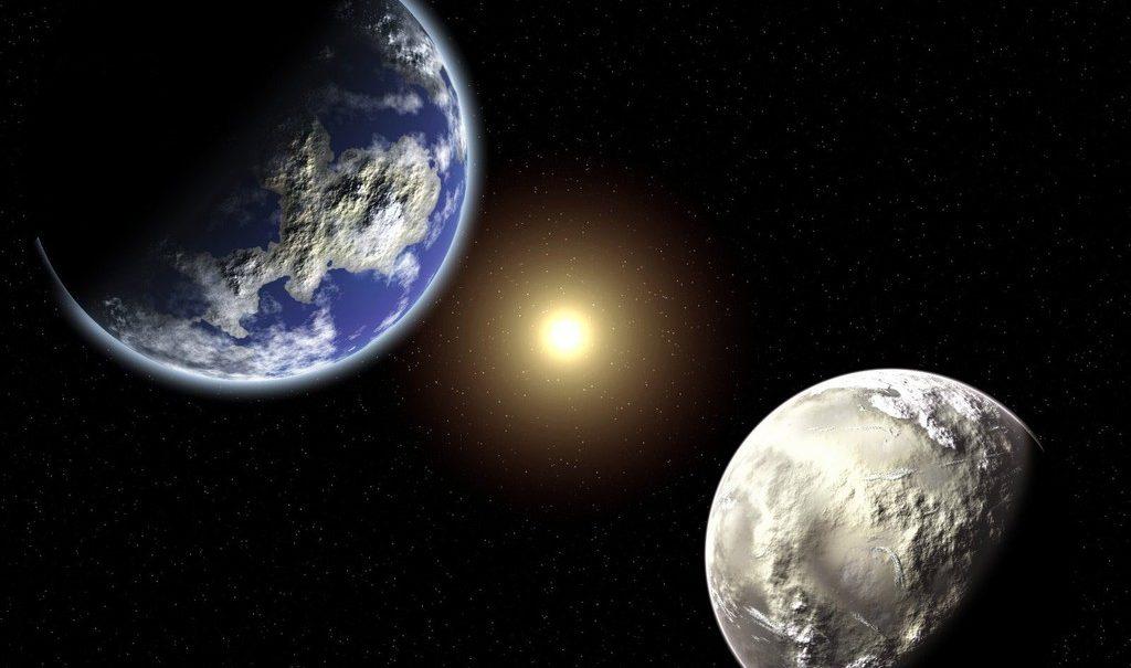 Earth Moon and Sun Studii Juniori