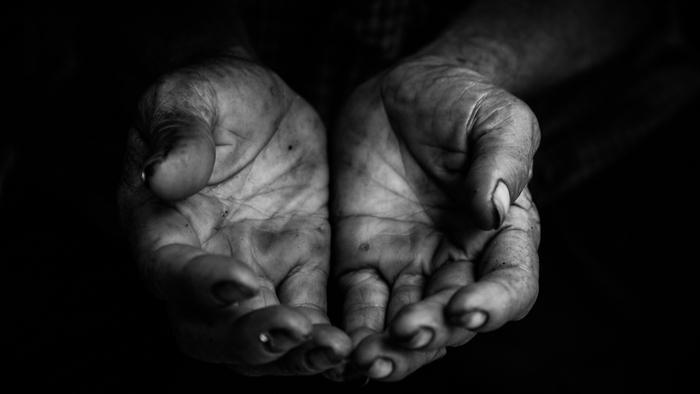 poverty4 Studii Juniori