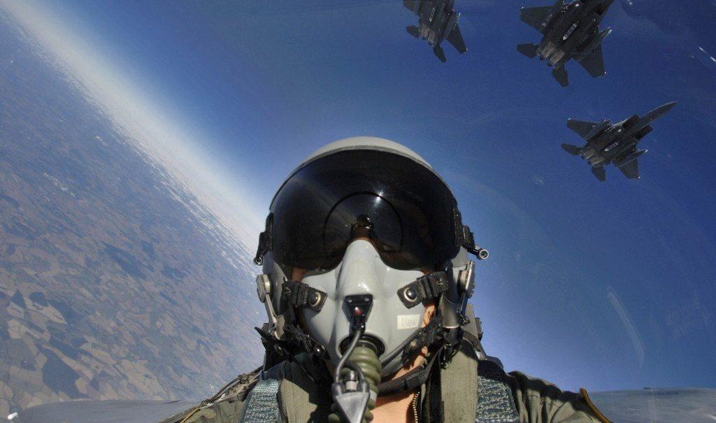 fighter pilot Studii Adolescenți