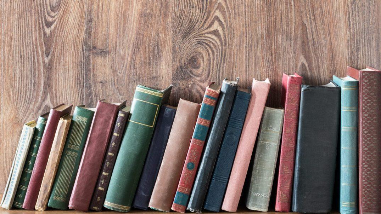 Book club 188638613 e1535997545540 Resurse